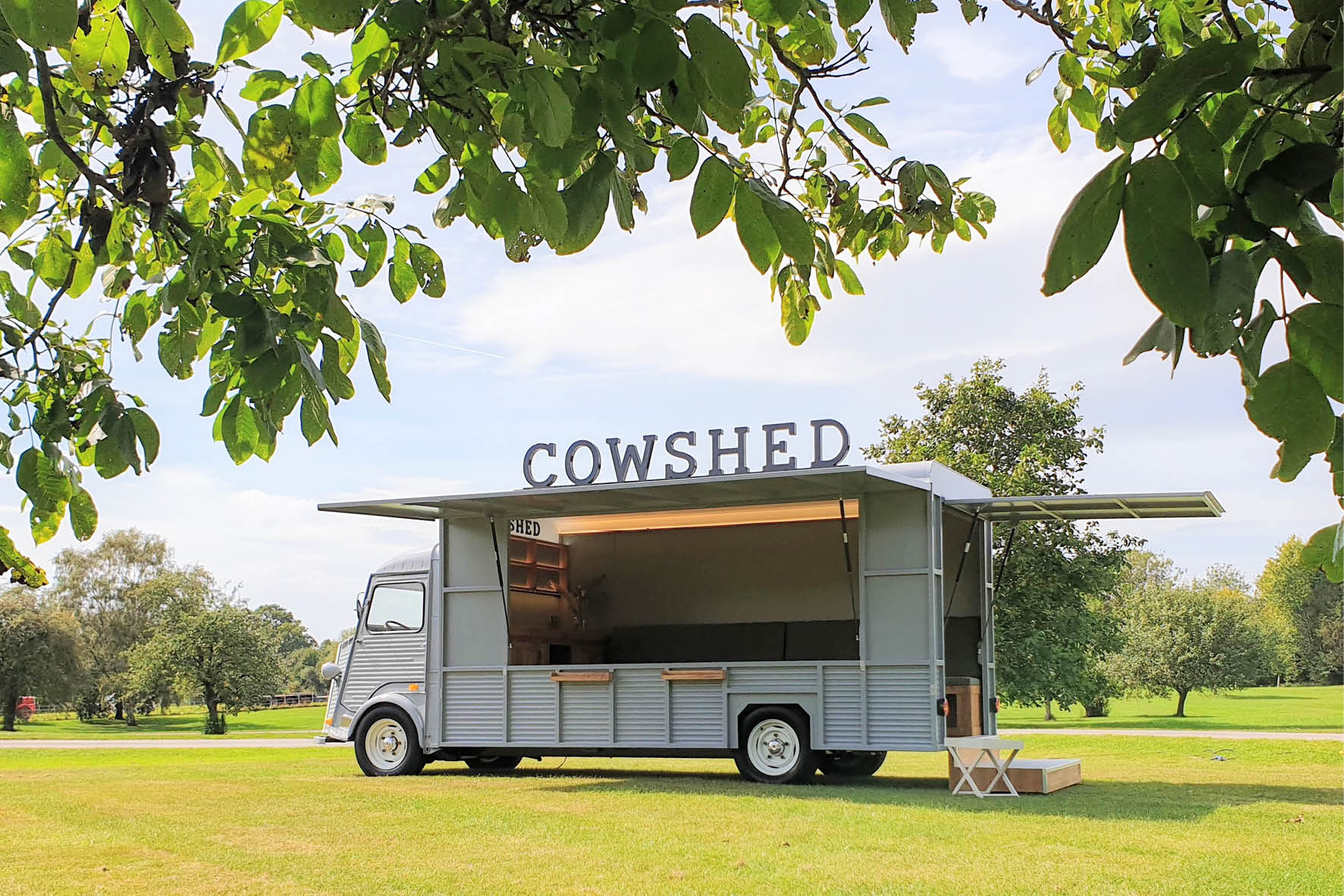 bus_business_2019_cowshed_11.jpg