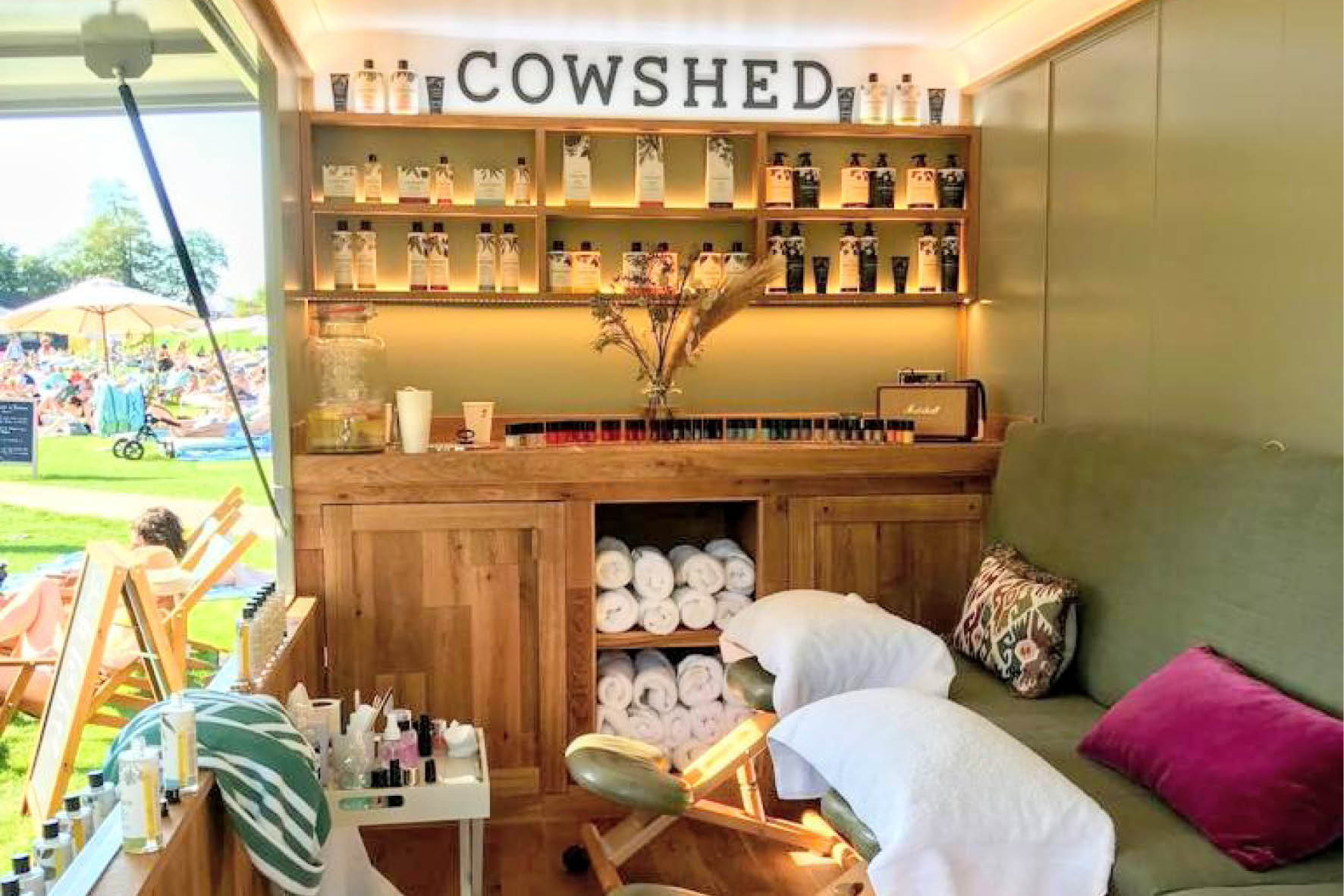 bus_business_2019_cowshed_12.jpg