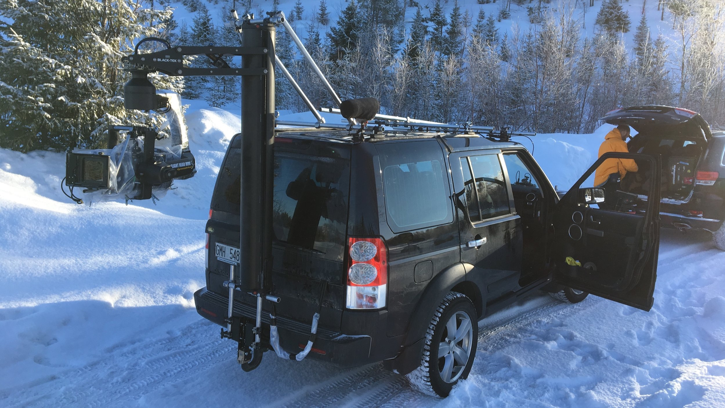 Flighthead Mini3, Black-Tek Motorised Tower, Land-Rover Discovery