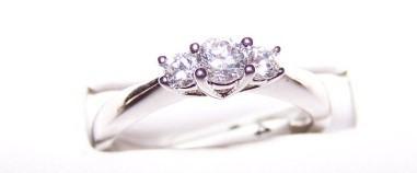 Simple-Gold-Diamond-Engagement-Rings.jpg