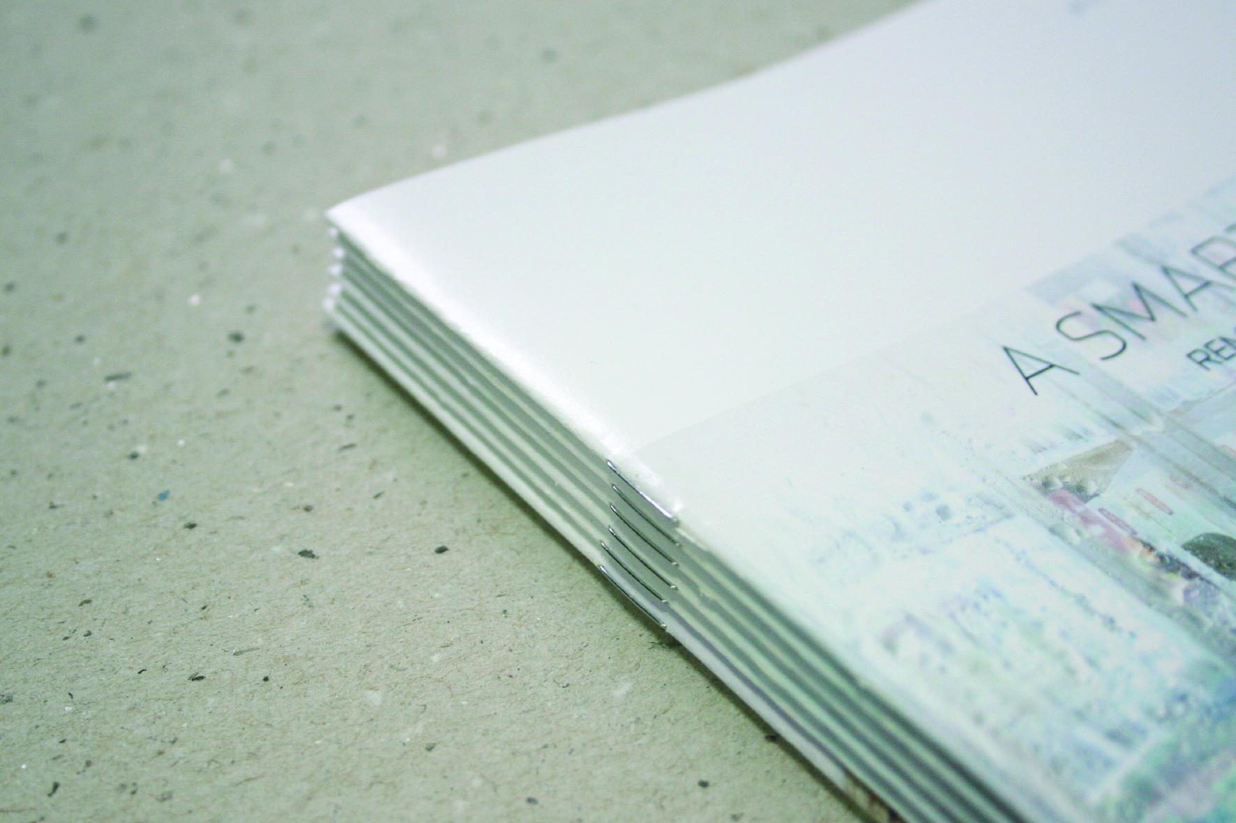 Ryggstift / hefting - Vi kan hefte opp til 80 sider, alt etter papirval.