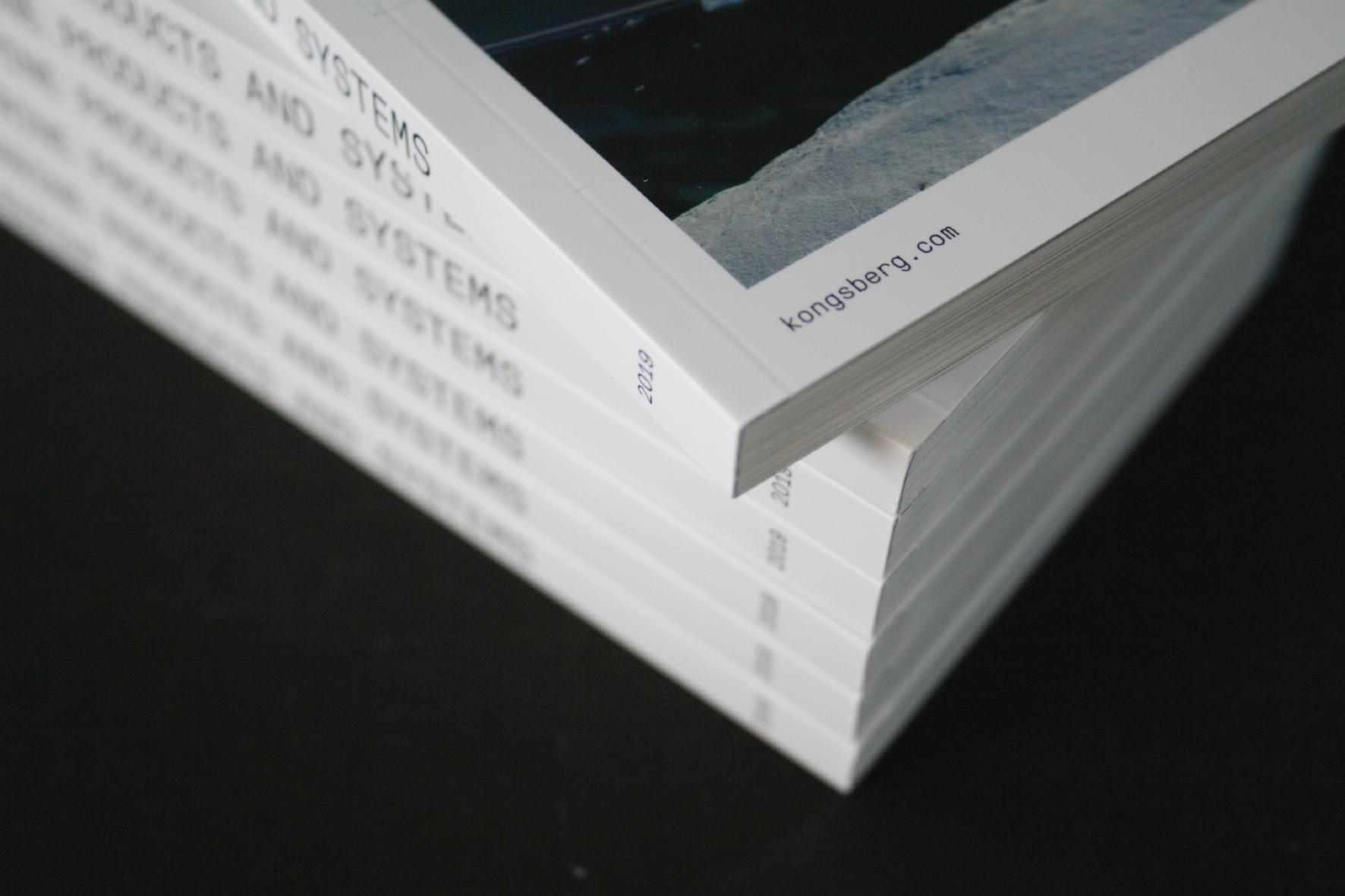 Ryggbredde - Sideantal og papirtype bestem ryggbredda. Vi kan limfrese opp til 32 mm ryggbredde.