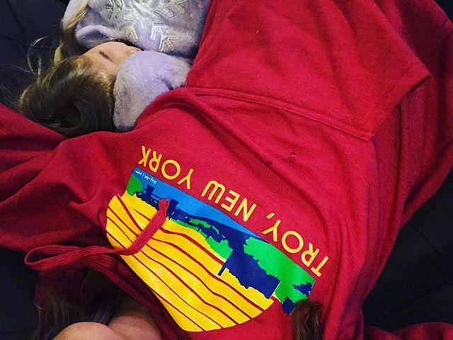 Yasss please 💜#troyclothandpaper #troyflea #enjoytroy #snuggles