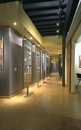 2-Hallway.jpg