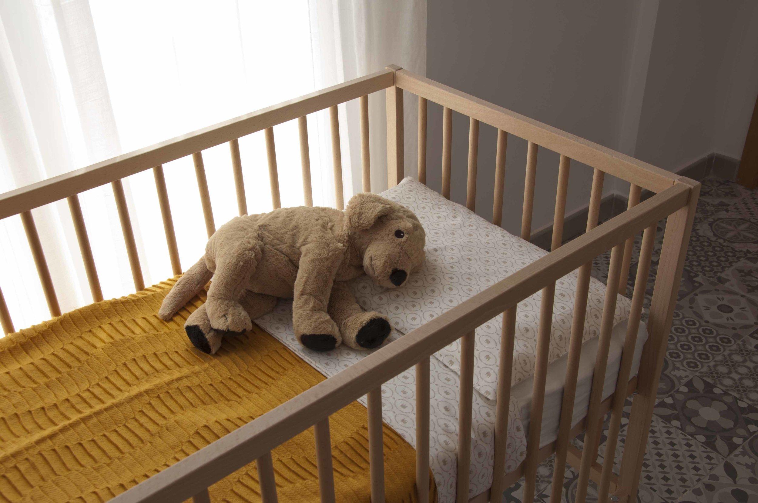 baby crib at Zalamera B&B in Valencia, Spain.jpg