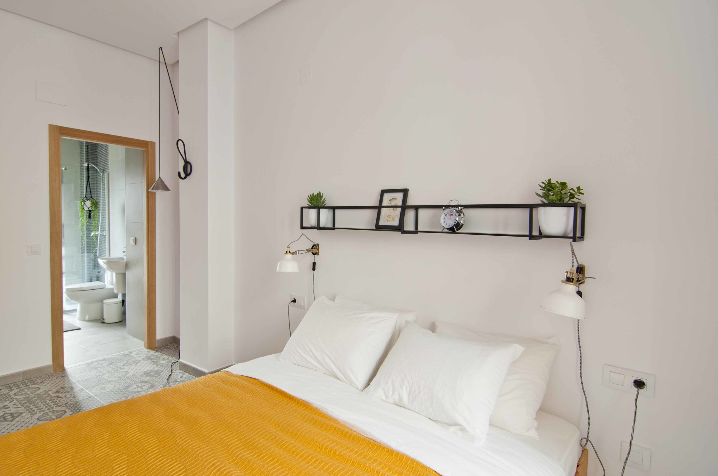 Double ensuite at Zalamera bed and breakfast in Valencia, Spain 0356.jpg