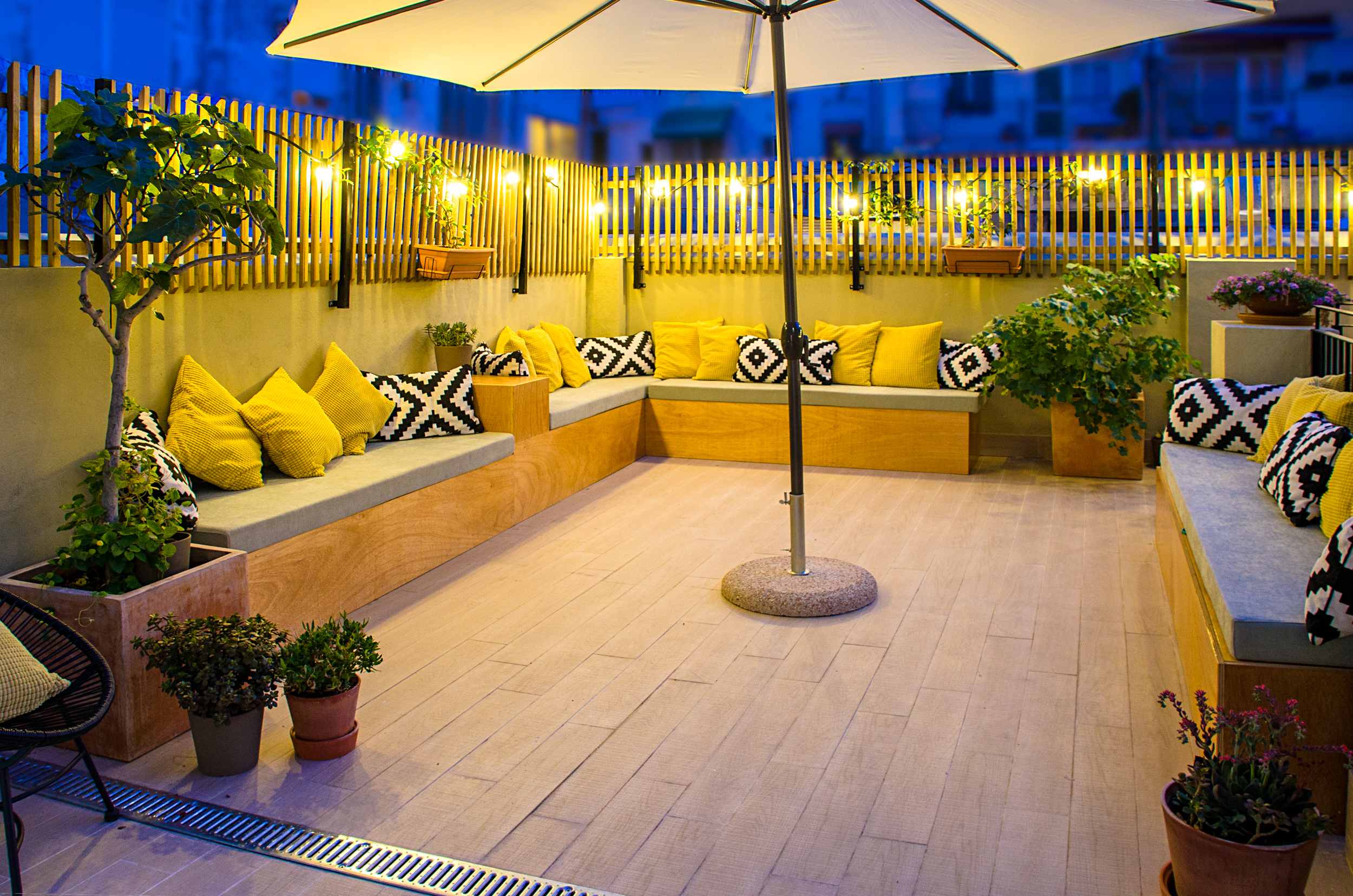 Terrace of Zalamera B&B in Valencia, Spain (66 of 92).jpg