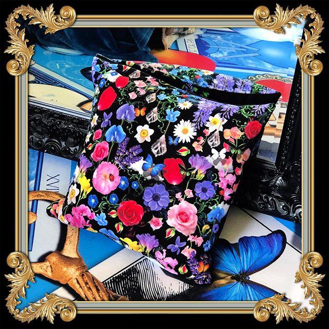 Isn't this Fragrant Florals Pillow just Divine! I Love Dark Backgrounds for Designs ❤️ #blackinterior #blackwalls #darkinteriorstyle #darkinteriordecor #darkinteriordesign #darkinterior #floraldecor #floralinteriors #floralinteriordesign #flowersarein #flowerloves #eclectichome #maximalistdecor #maximalistcandy #designersguild #instadecor #elledecor #vogueliving #hdbuttercup