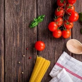 spaghetti with tomatoes prep free.jpg
