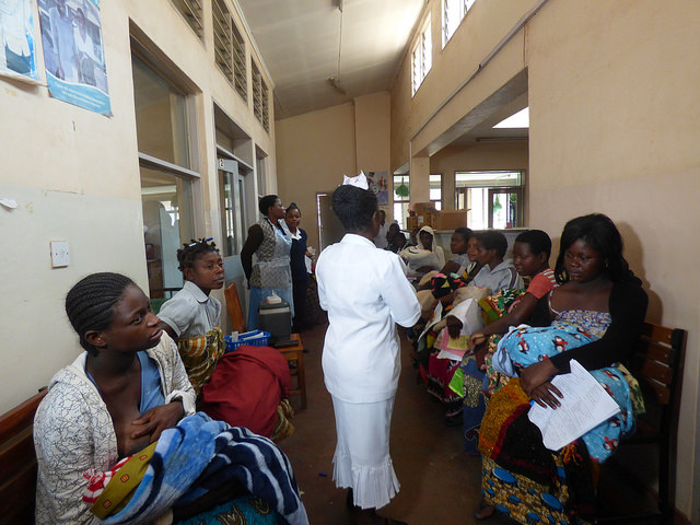 The World Health Organization (WHO) recommends a ratio of 1 midwife to every 175 women of child-bearing age, but in Malawi, the average ratio is 1:1,209. Photo: White Ribbon Alliance.