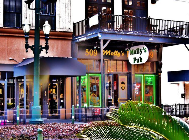 Mollys-Pub-on-Main-Street-Downtown-Houston-Irish-bar.jpeg
