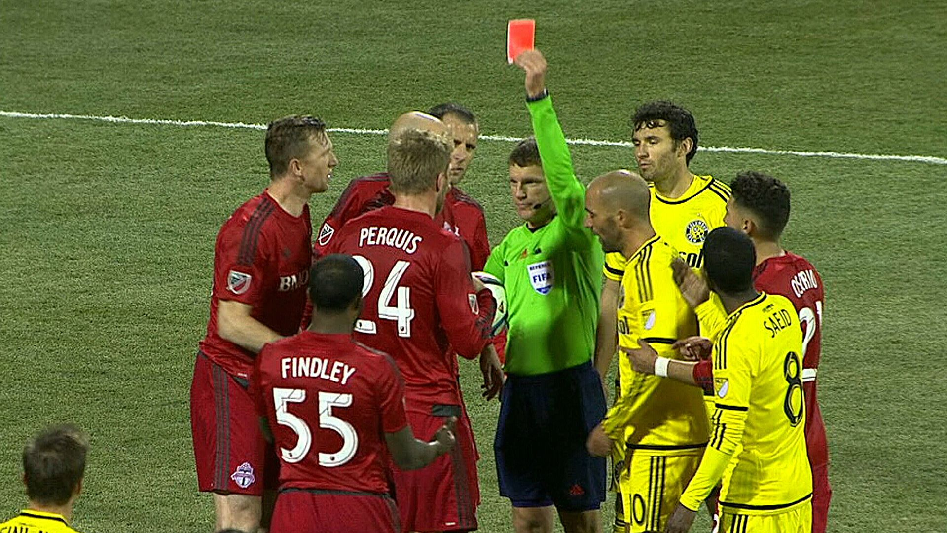 Remember that time that Dave Gantar showed a red card to Damien Perquis despite Justin Morrow actually being the player that he was trying to send off?