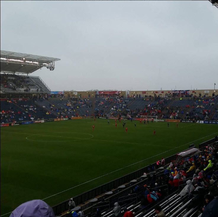 """PHOTO: @EmptySeatPics  """"I mean this is a sellout!"""""""