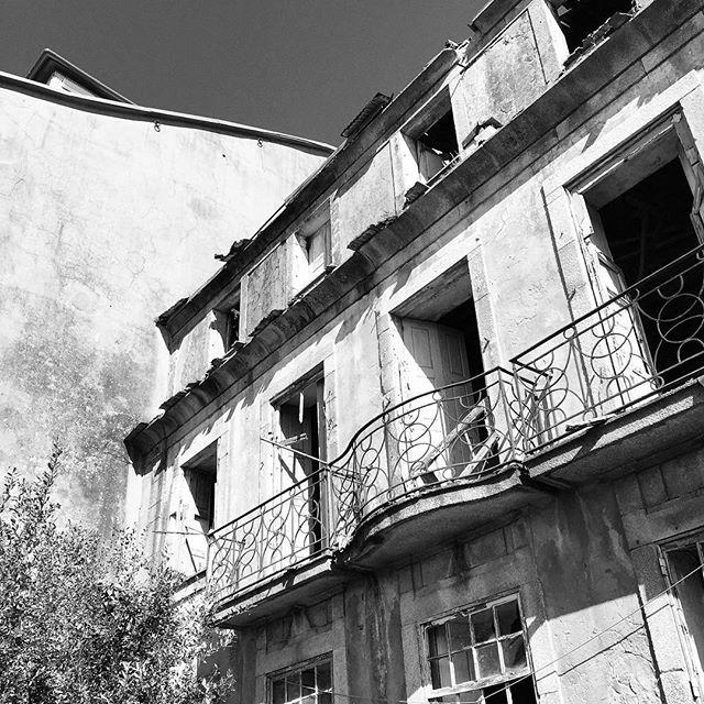 Virtudes. #garciaalbuquerque #arquitectura #architecture #porto #portugal