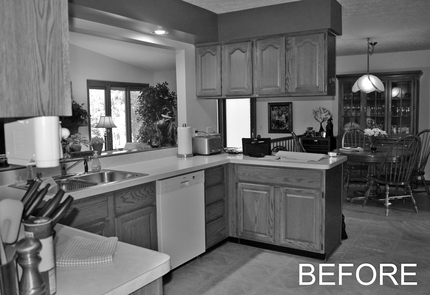 Kitchen before the renovation.