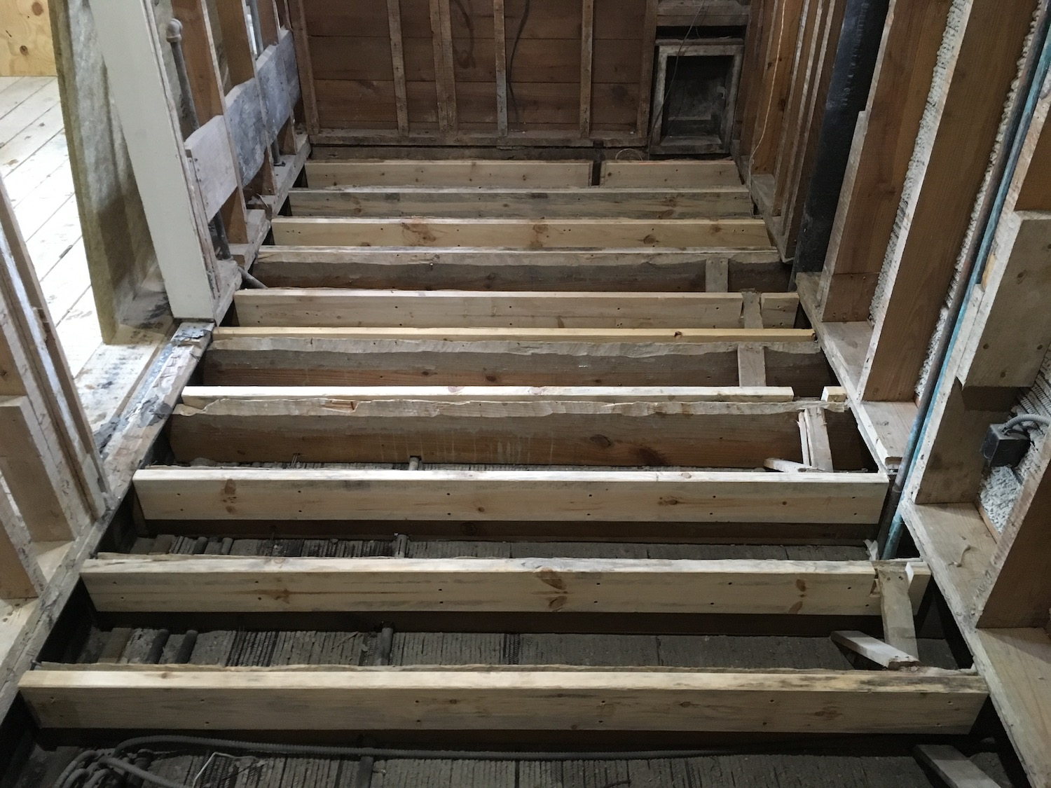 bathroom floor framing.JPG