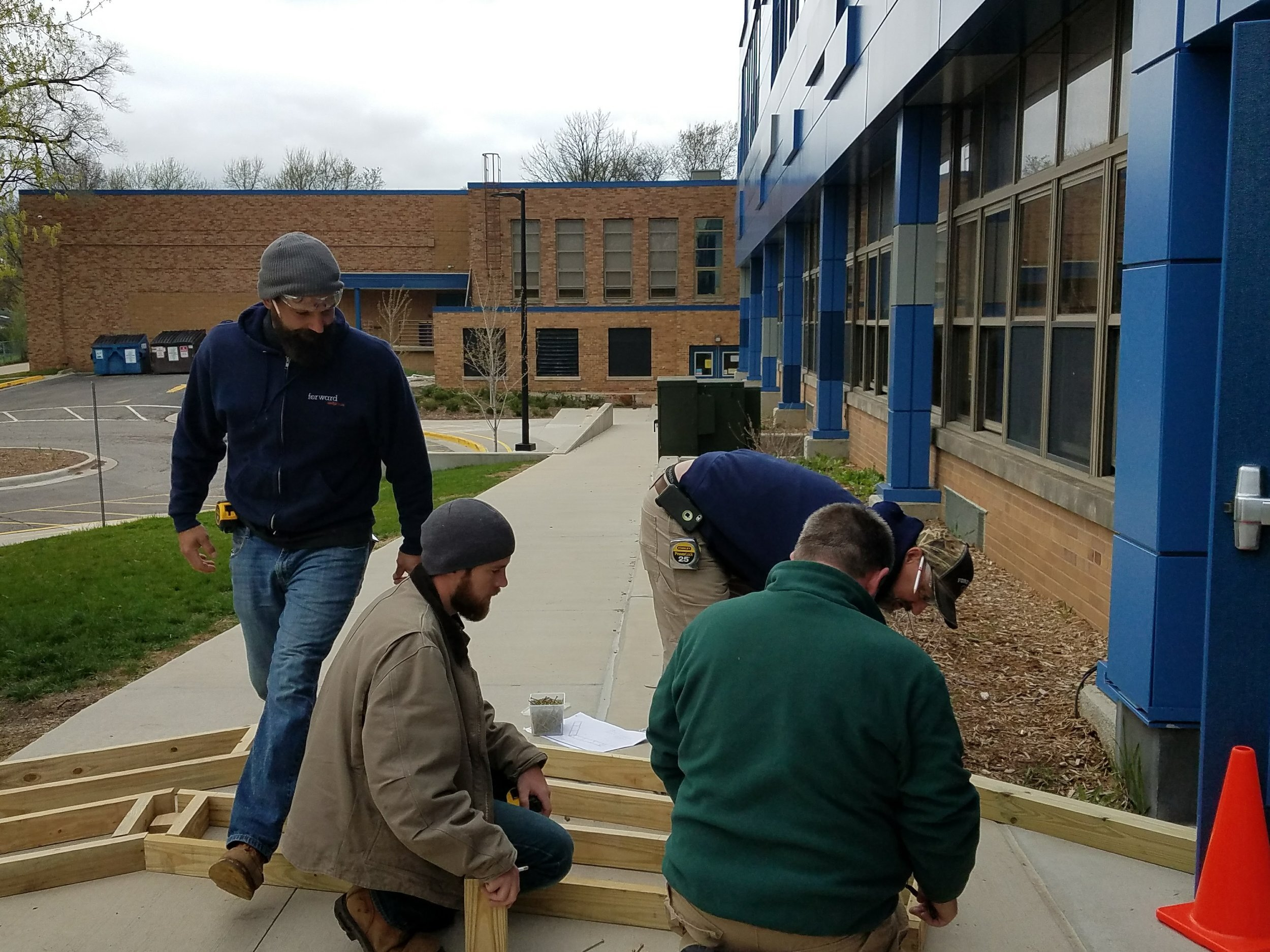 In April, a team of us from Forward Design Build spent time with other volunteers from GM to build benches for an outdoor classroom at Ann Arbor STEAM School!   LEARN MORE >>