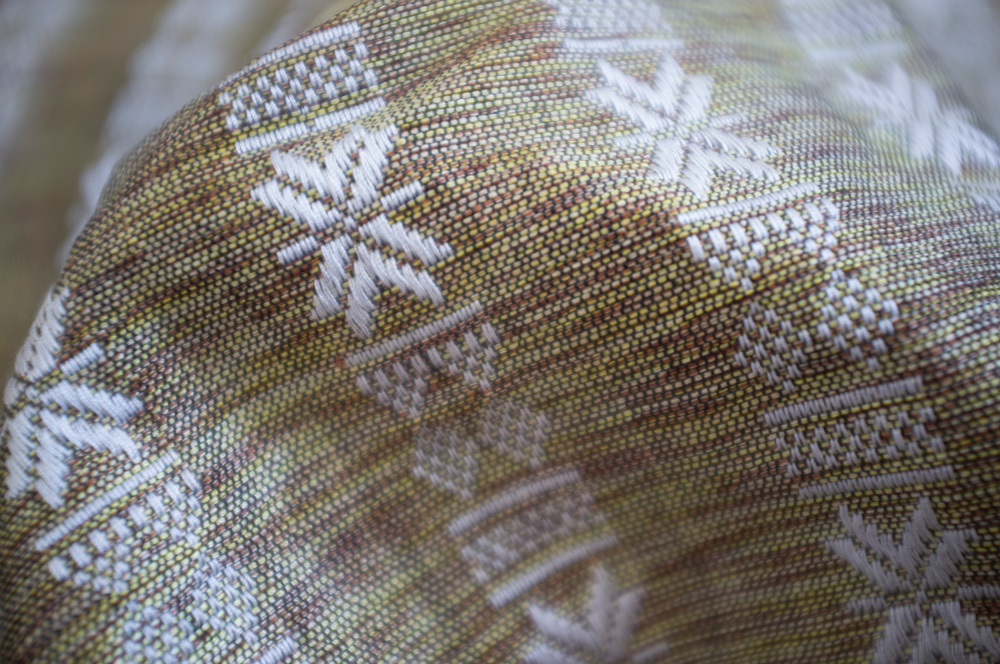White & Gold Cham Snowflake Cotton