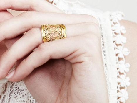 Gold Fenicio Ring