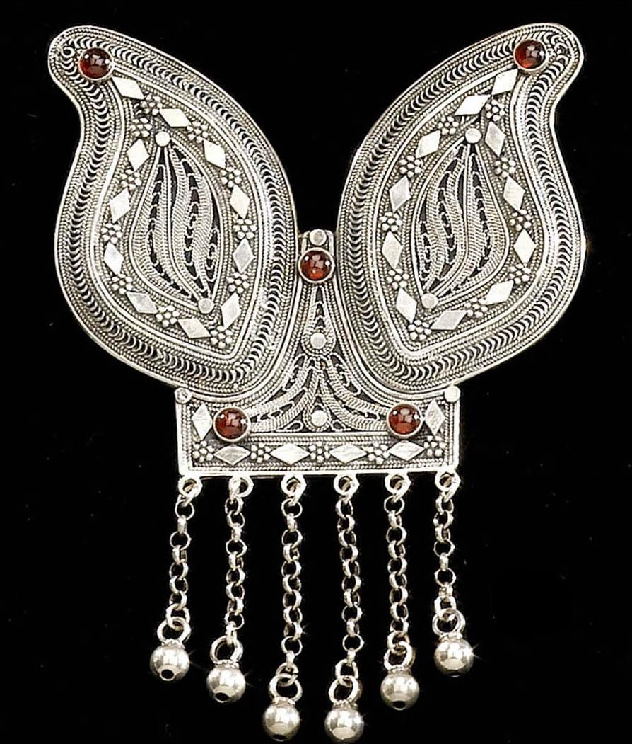 Filigree Yemenite pendant with stones