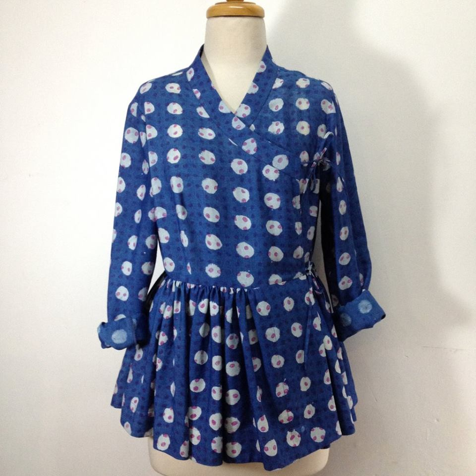 House of Wandering Silk's cotton/silk indigo polka dot kediya
