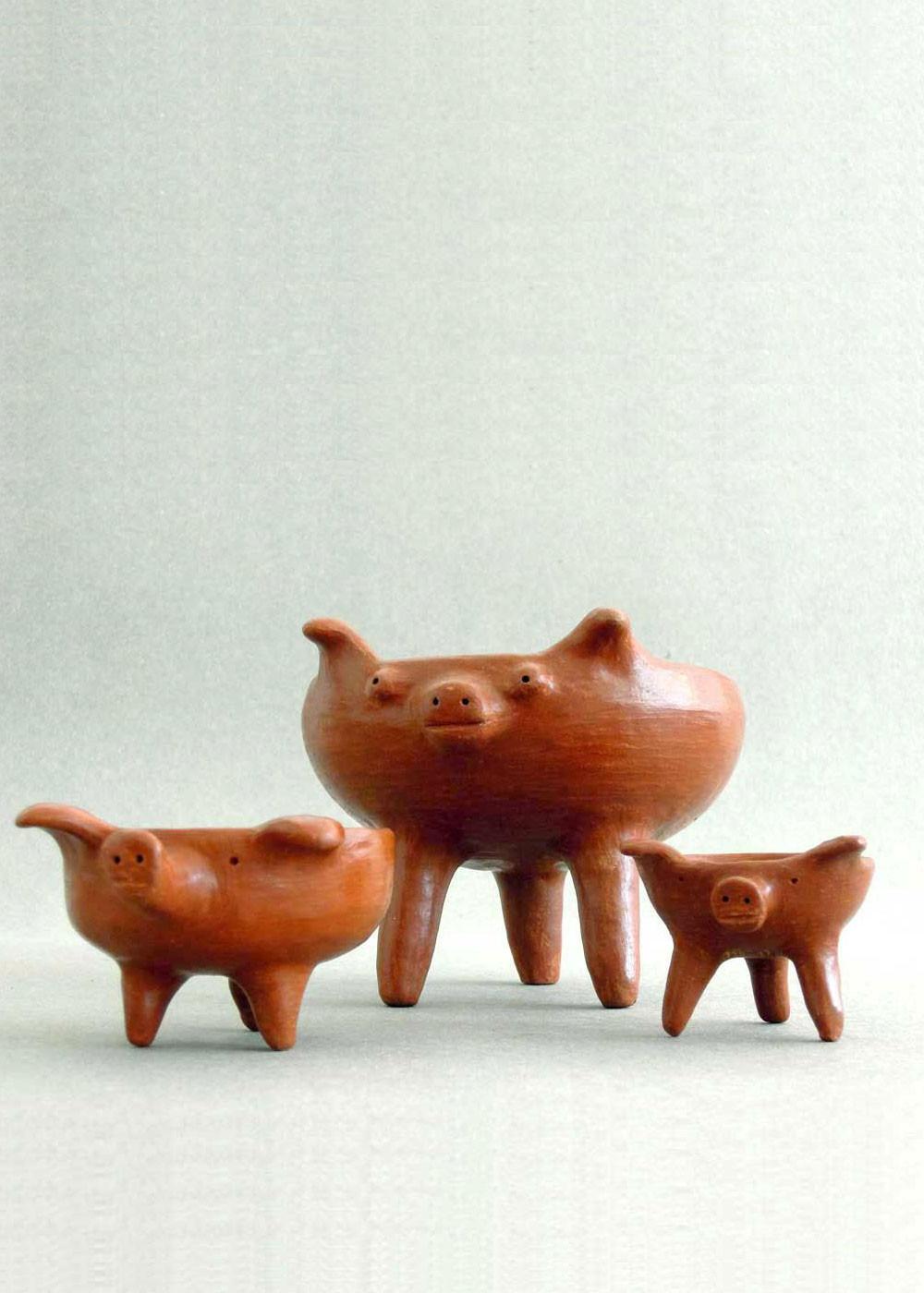 Three Little Pigs ceramic dishes