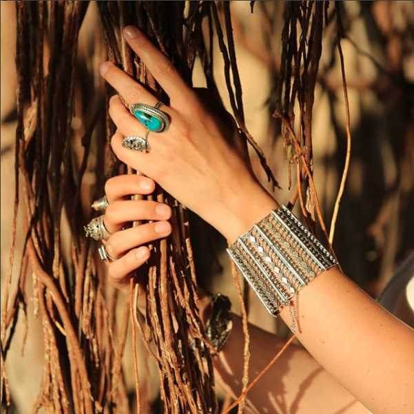 yemenite art - Handmade filigree jewelry and Judaica handcrafted by Ben-Zion David, whose family has been creating silver and gold jewelry in the Yemenite tradition for eight generations.Based and produced in IsraelShips to International