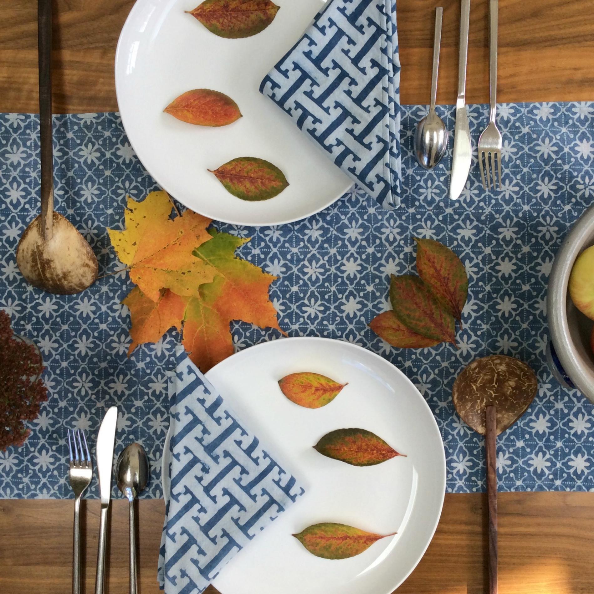 Basketweave napkins & Bluette table runner