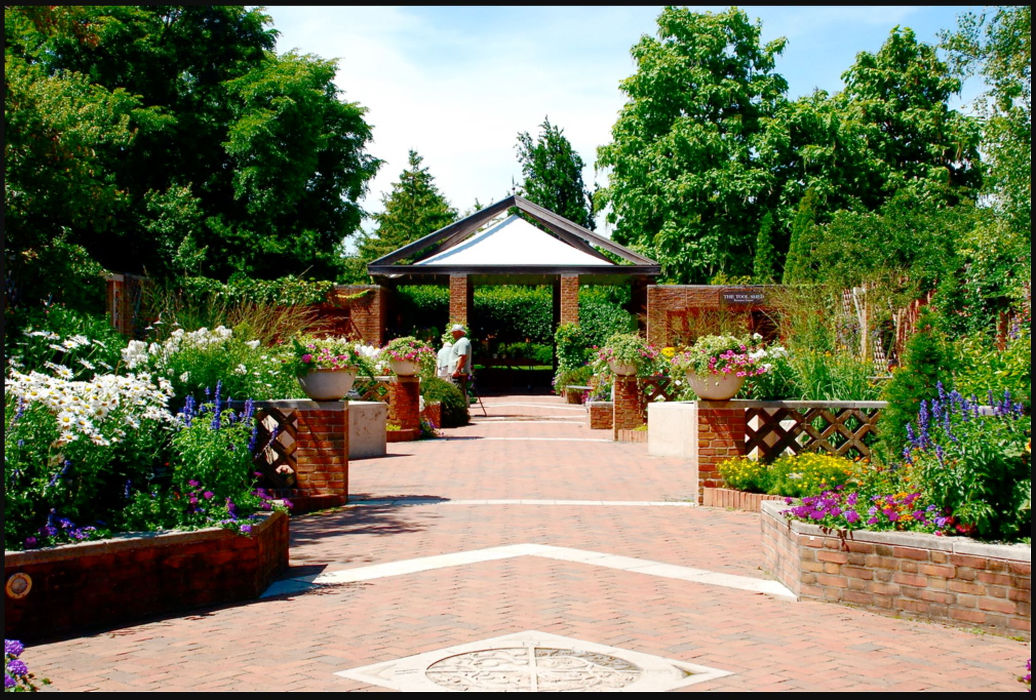 Buehler Enabling Garden.JPG