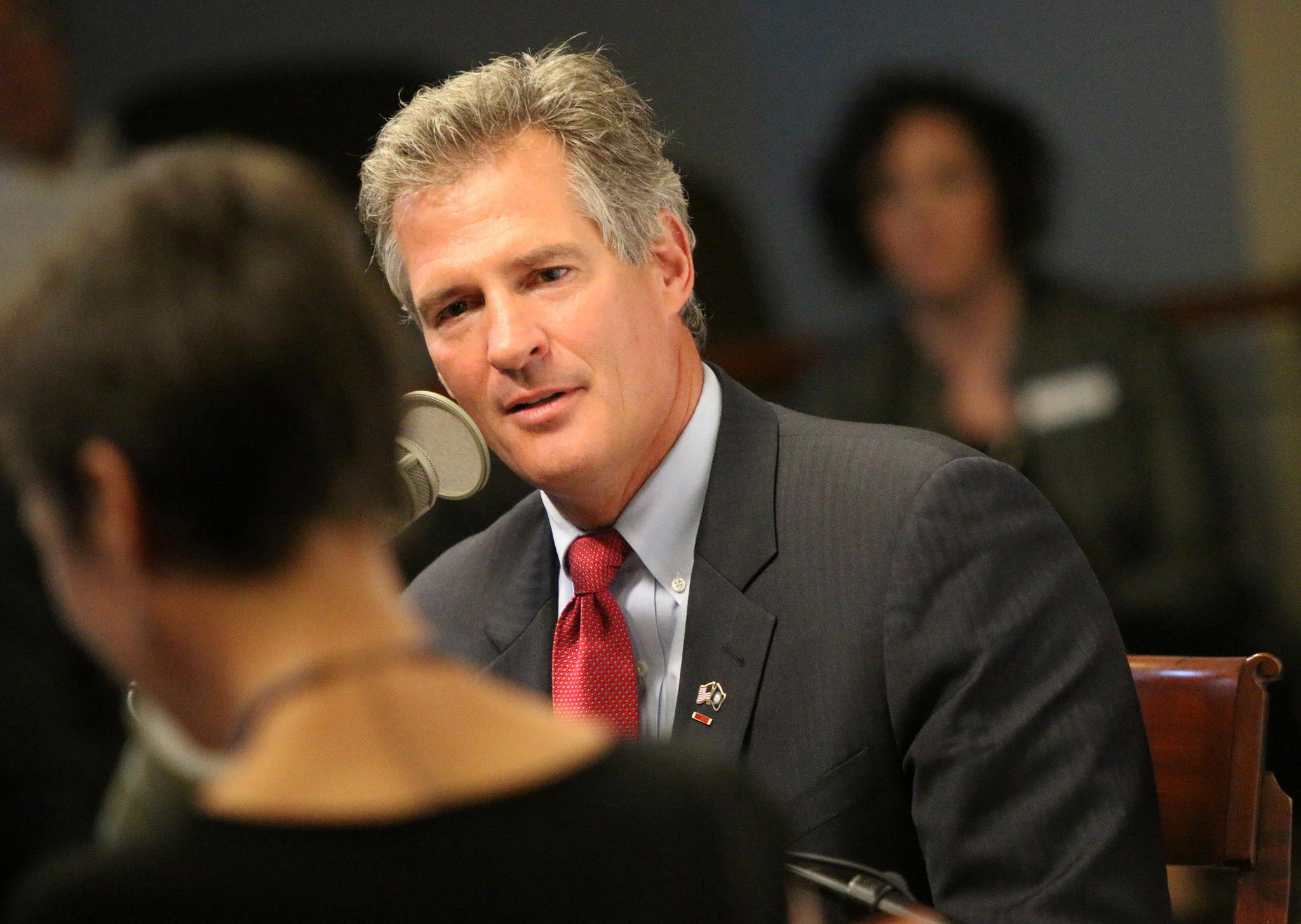 Laura Knoy interviews former MA Senator Scott Brown, 2014