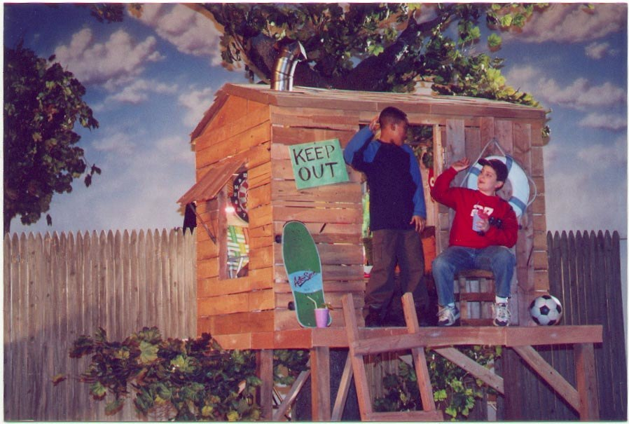 12-16-00 Nick Treehouse w-Kids, 1.jpg