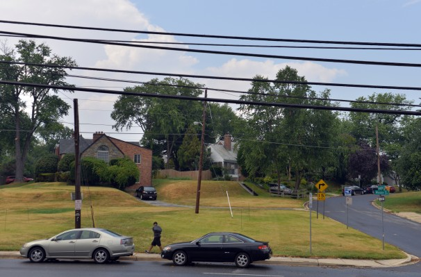 The Maryland Transit Association is proposing to build a Purple Line substation on this grassy patch in Montgomery County, MD.