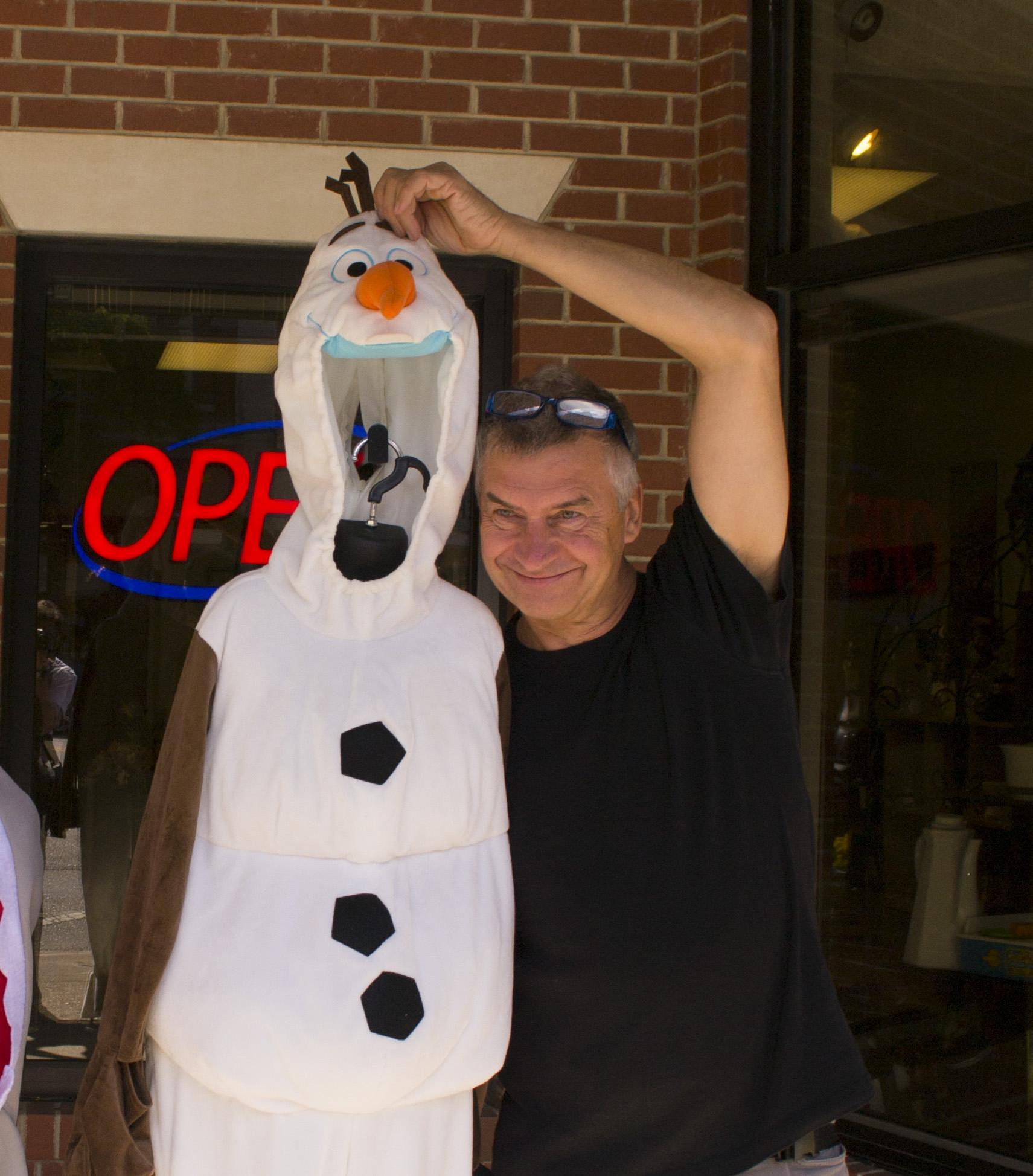 Olaf mit Olaf, im Sommer | Olaf with Olaf, in summer