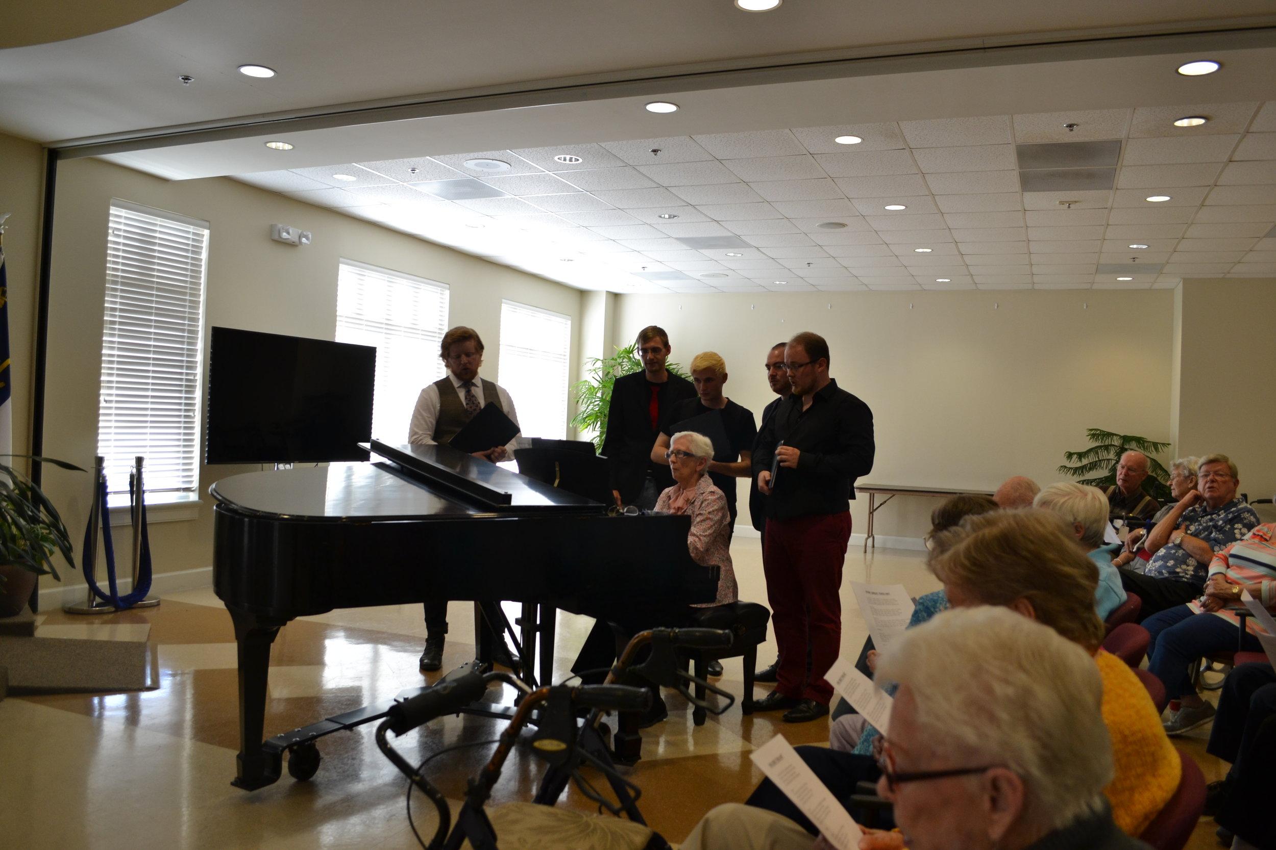 Gemeinsames Singen | Singing some hymns