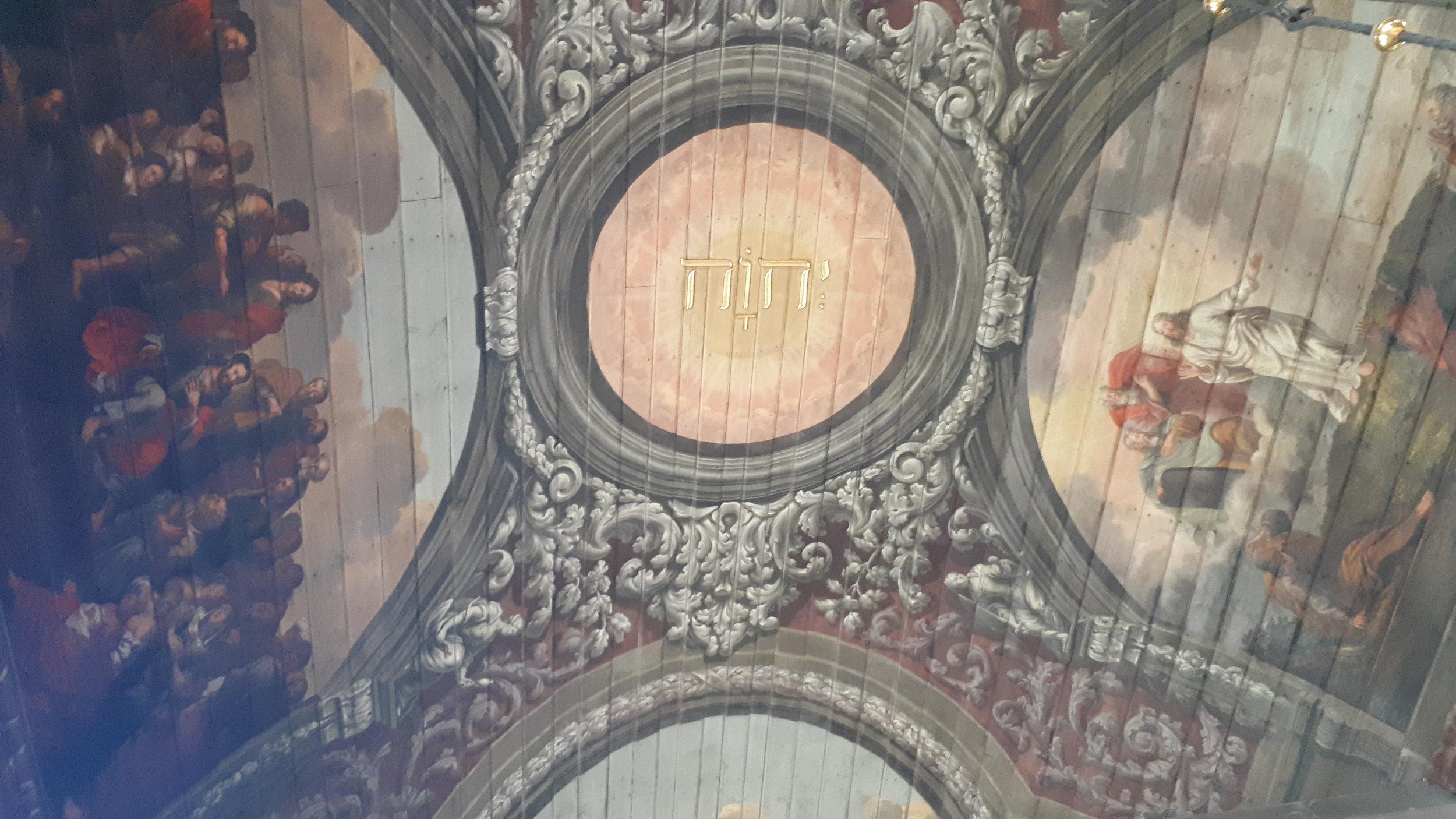 … in der beeindruckenden St. Laurentiuskirche in Tönning.
