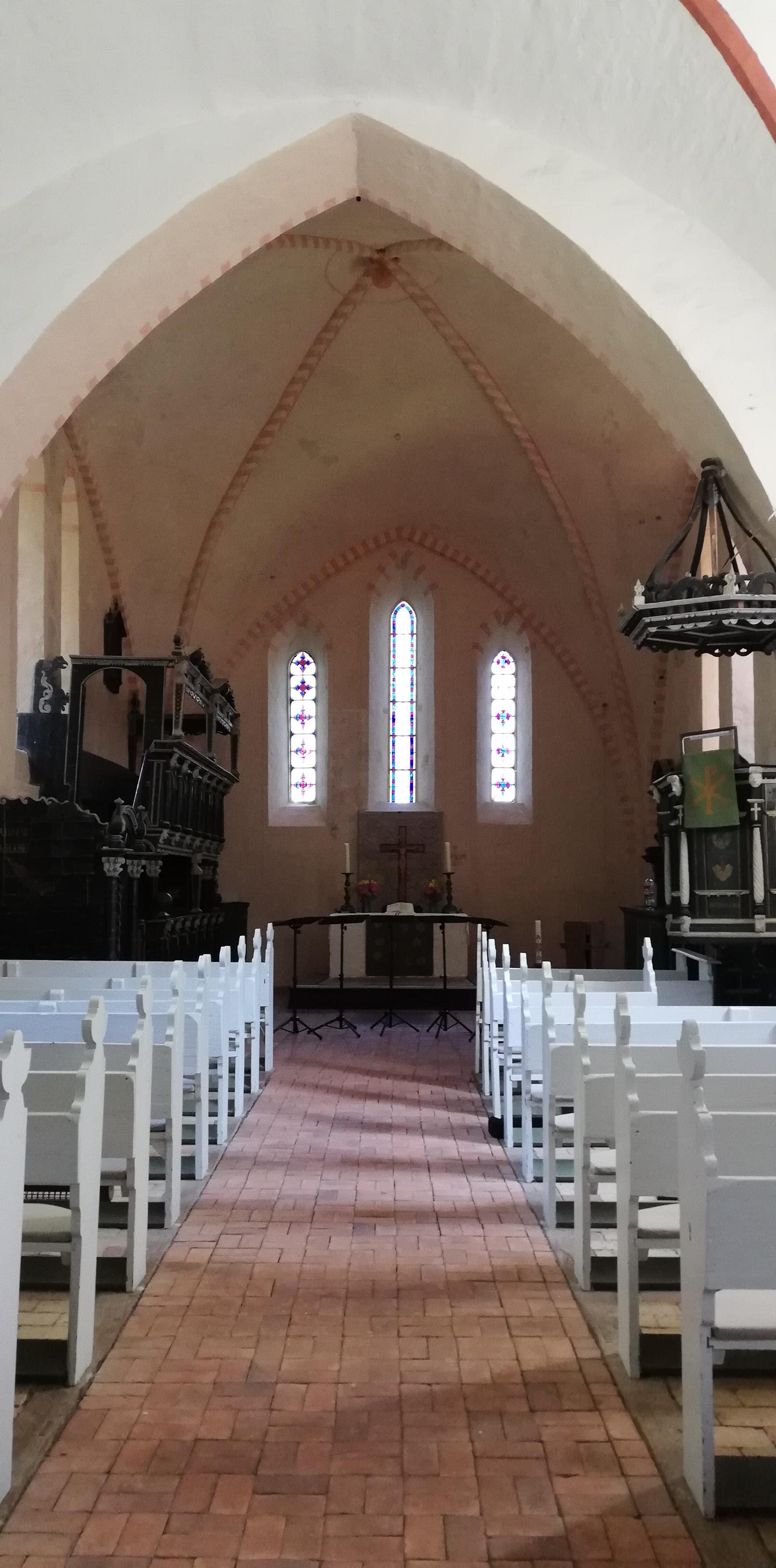 Es ist angerichtet für das Konzert in der schnuckeligen Zittower Kirche