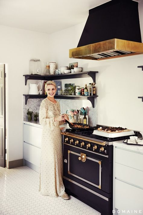actress Dianna Agron's kitchen and a beautiful garden party featured on  domaine