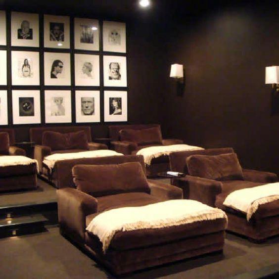 I'm not sure i'd ever make it up to bed if i had a room like this. Simple elegance
