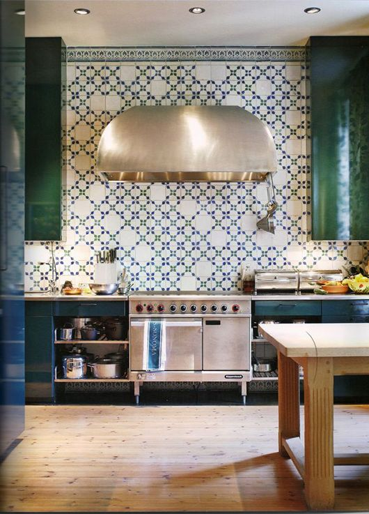 Ok, Ok, green lacquered cabinets and that backsplash?!  The backsplash kinda reminds me of an updated diner.