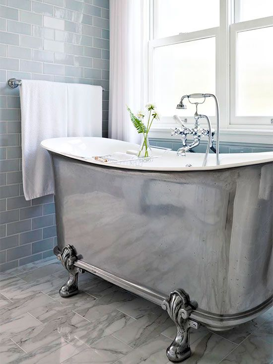 just look at this stunning claw foot tub.  A timeless piece that will stand the test of time.  This brings back memories of the claw foot tub i grew up with.  Via  Better Homes and Gardens