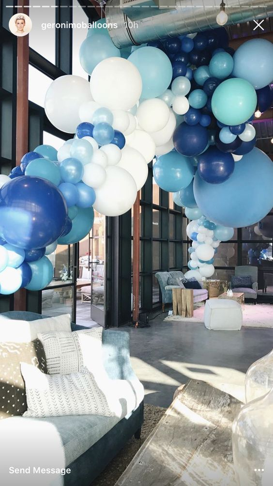 Just look at the size of some of those balloons!!