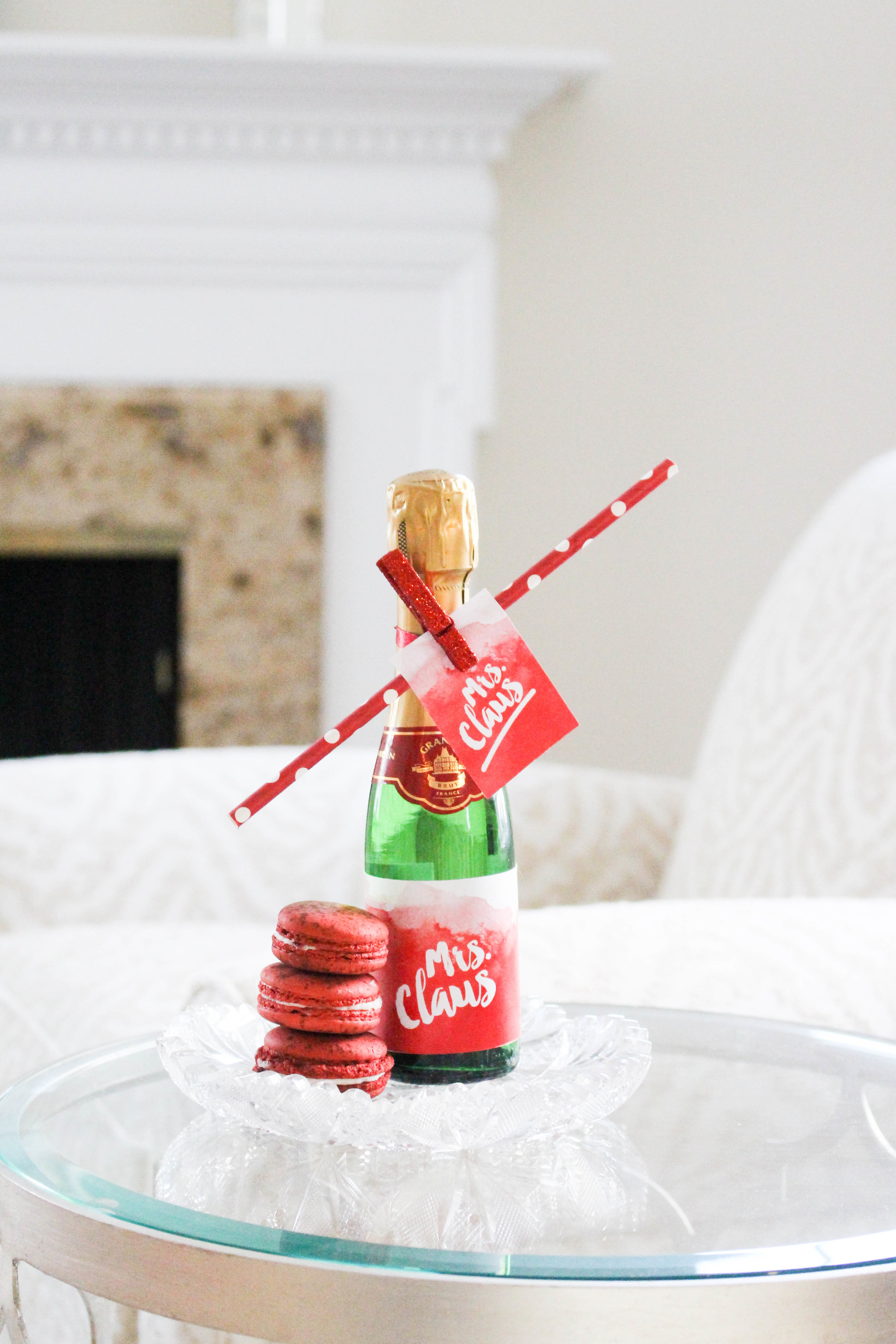 Red Velvet Macarons for Mrs. Claus