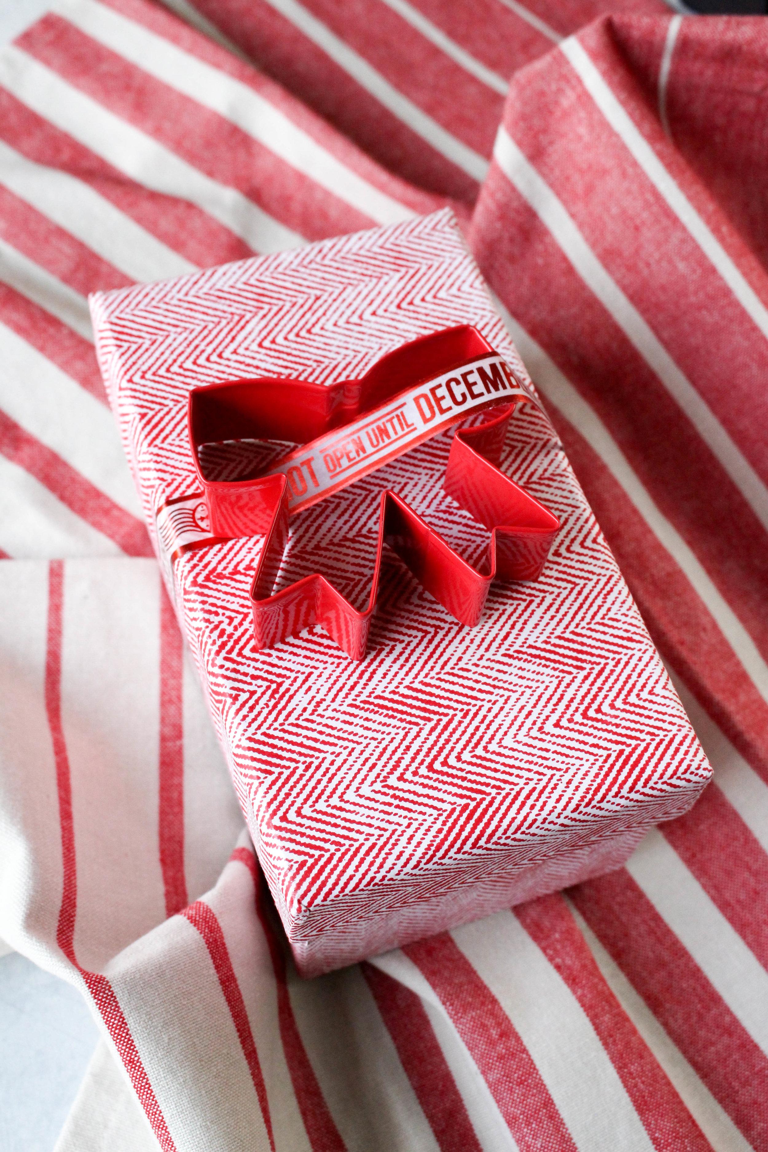 Holiday Gift Wrap on Martha Stewart