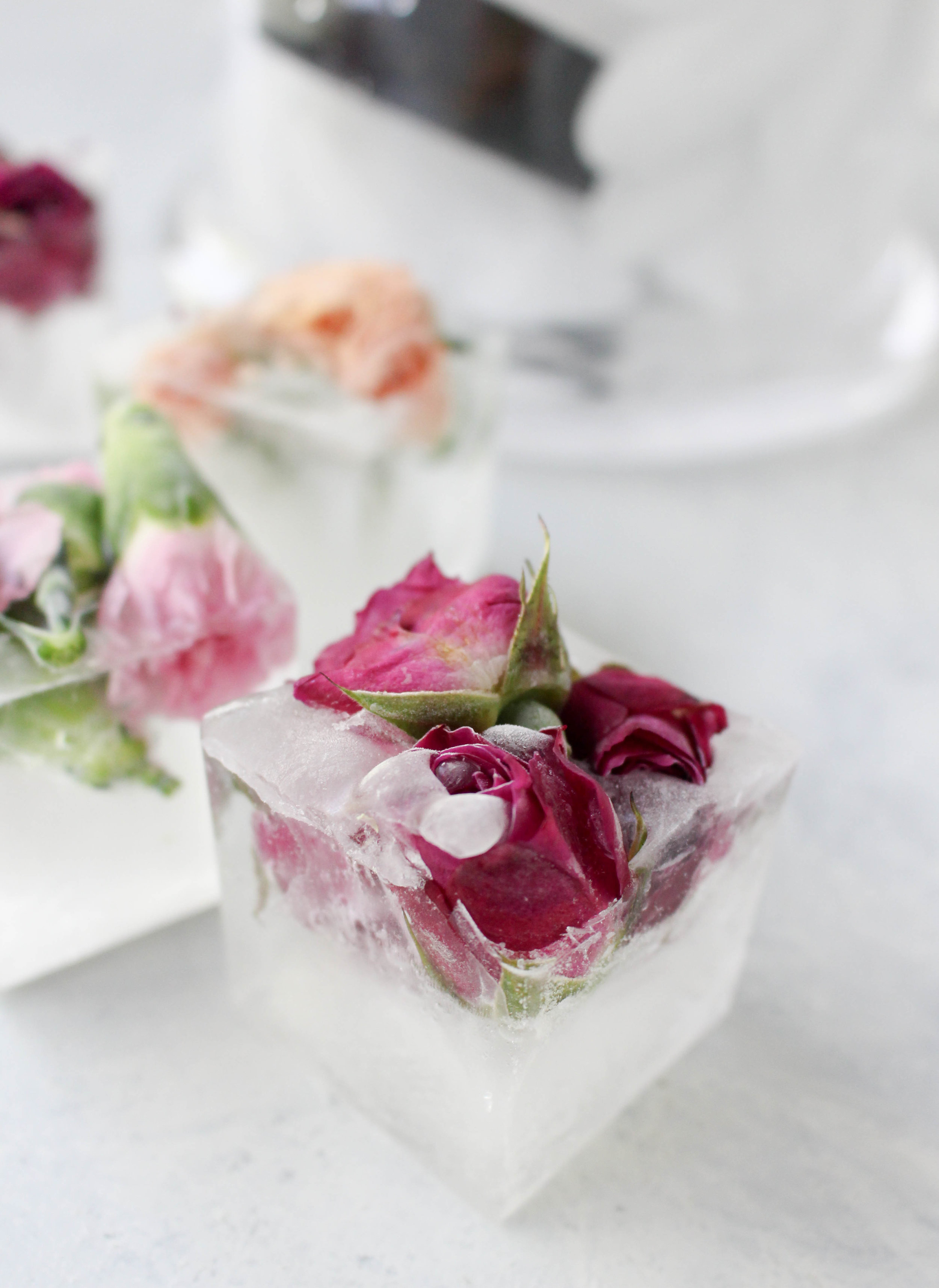 How To Make Floral Ice Cubes Easy Elegant Entertaining