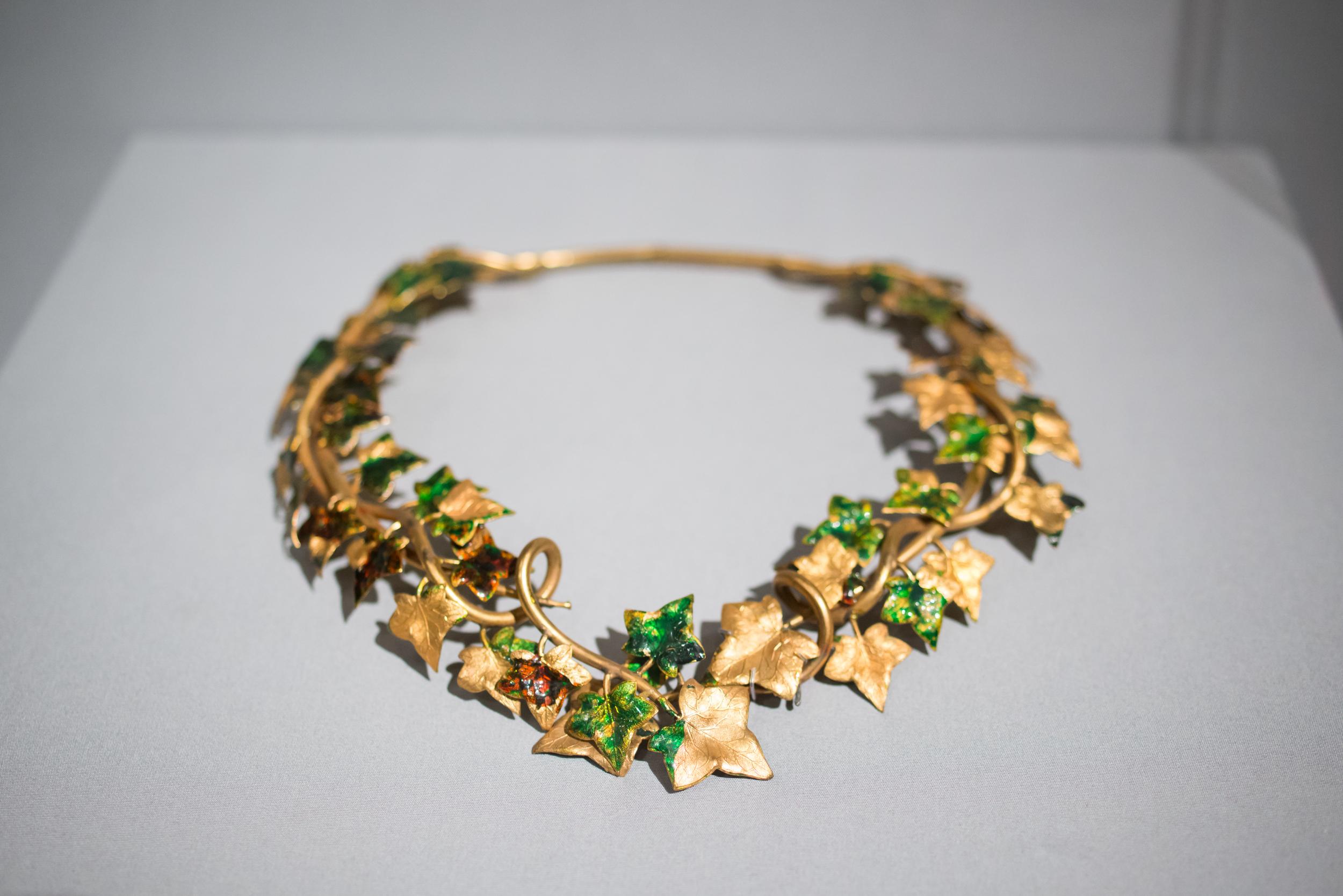 melissademata.com   High Style Elsa Schiaparelli Necklace