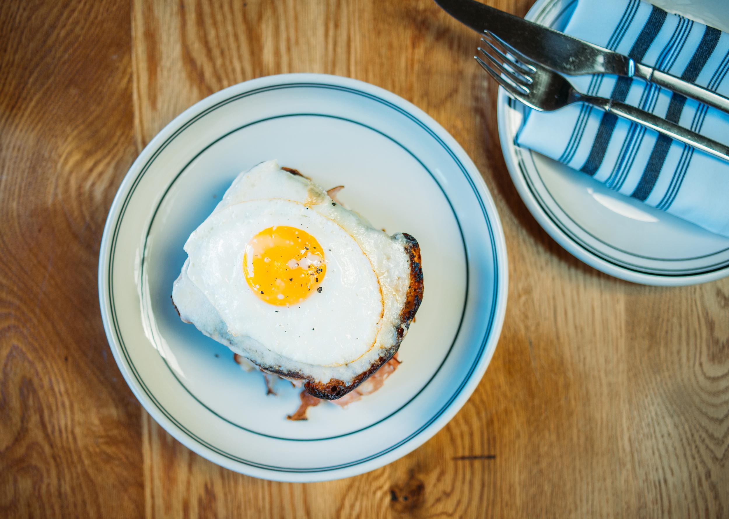 Croque madame, smoked ham, béchamel, gruyere & sunny egg.