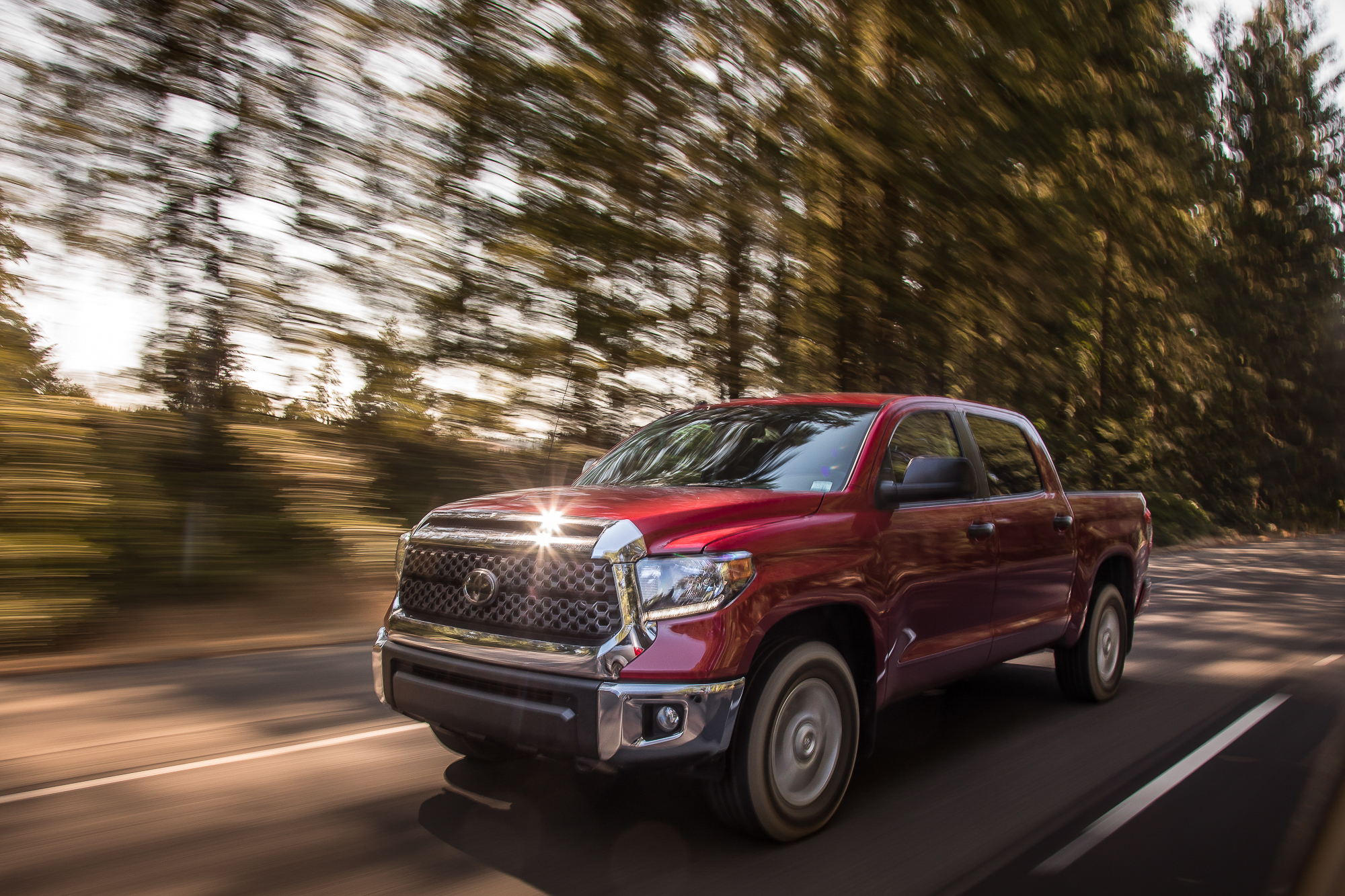 05-toyota-tundra-2018-angle--dynamic--exterior--front--red.jpg