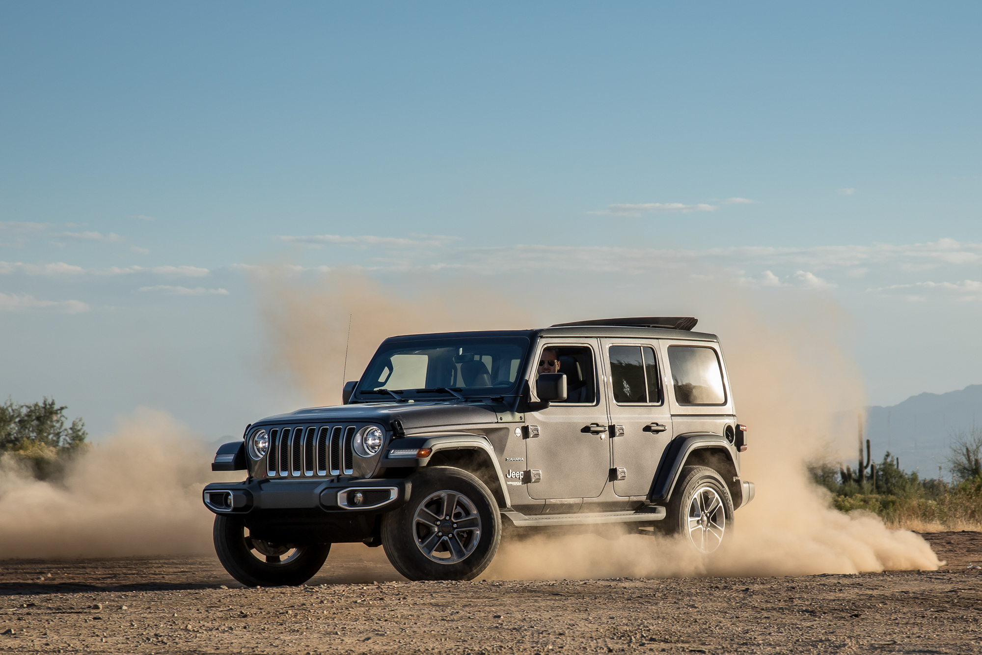 02-jeep-wrangler-2018-angle-dynamic-exterior-front-grey.jpg