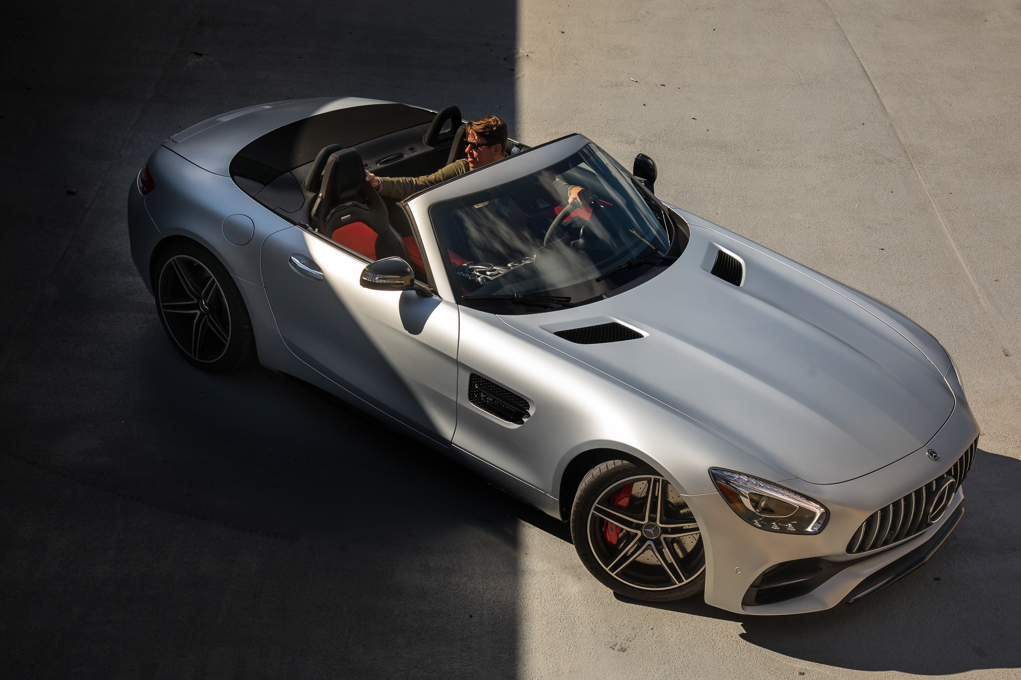 01-mercedes-benz-amg-gt-c-2018-angle--exterior--front--silver.jpg