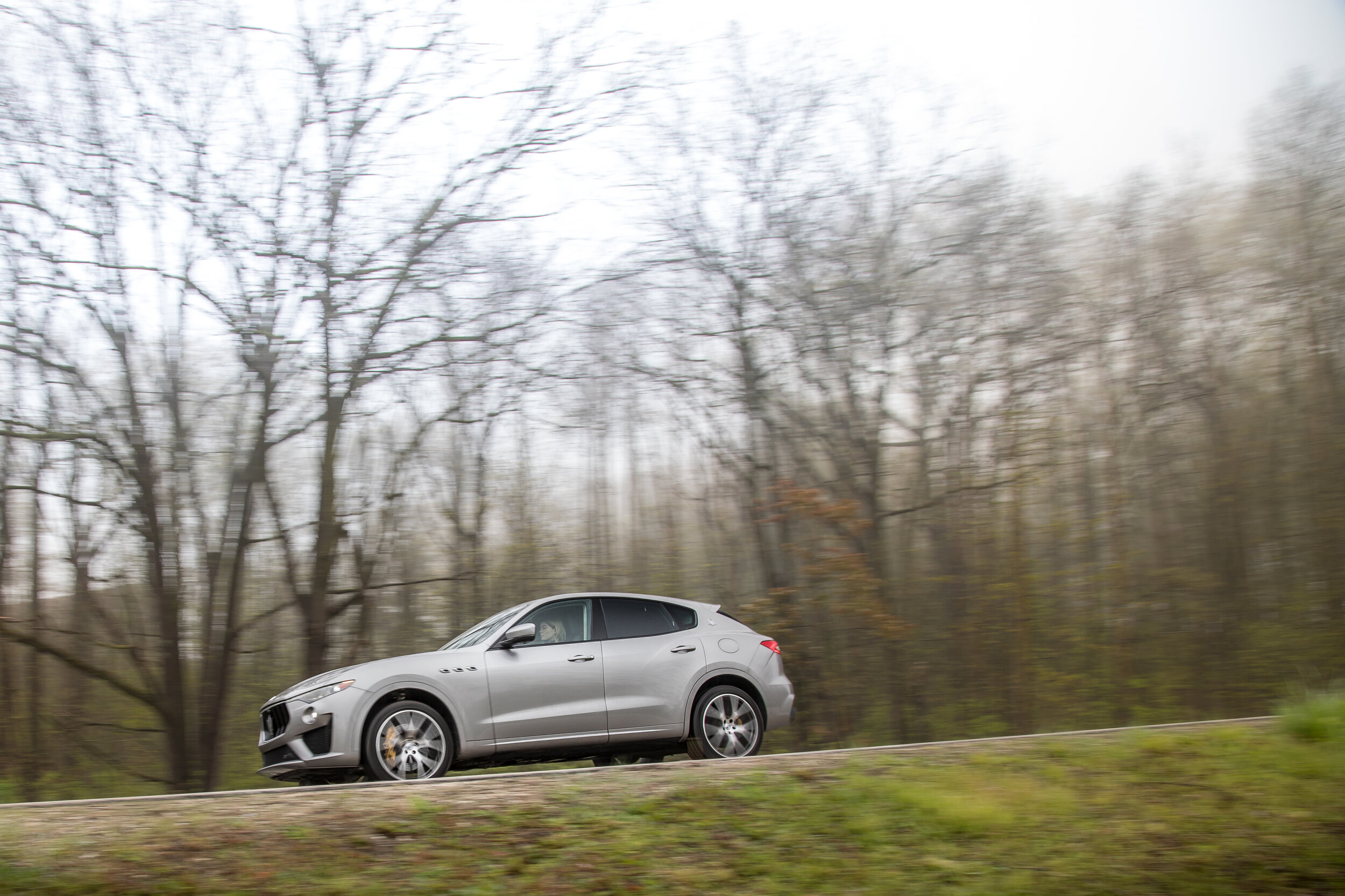 maserati-levante-2019-01-dynamic--exterior--outdoors--profile--silver.jpg
